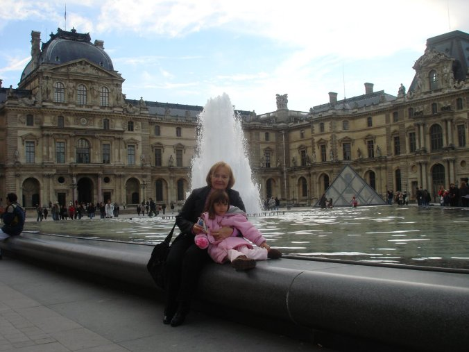 Estou com vontade de ir a Paris, como no ano passado. Não fui, mas senti MUITA vontade.
